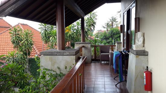 Pondok Ayu: Balcony