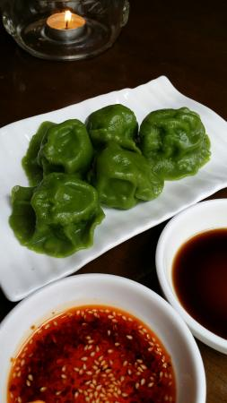ZaoZiShu (JiangNing): spinach dumplings with mushroom filling.