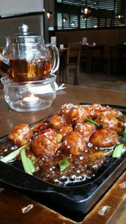 ZaoZiShu (JiangNing): mushroom done up as hotplate chicken