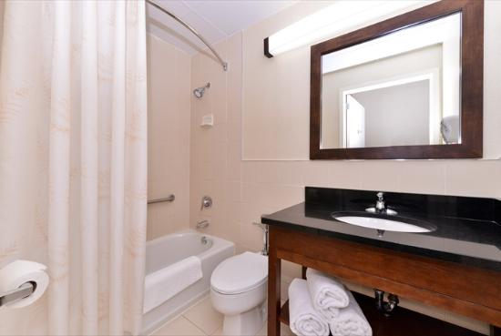 Comfort Inn Syosset By Choice Hotels New Bathrooms
