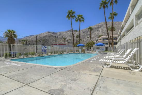 gay motels in palm springs