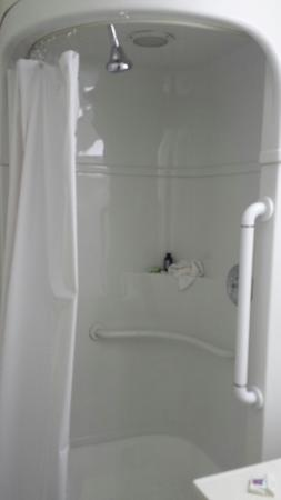 Motel 6 Winston-Salem: Very tiny shower with water saver shower head very little water sprays out