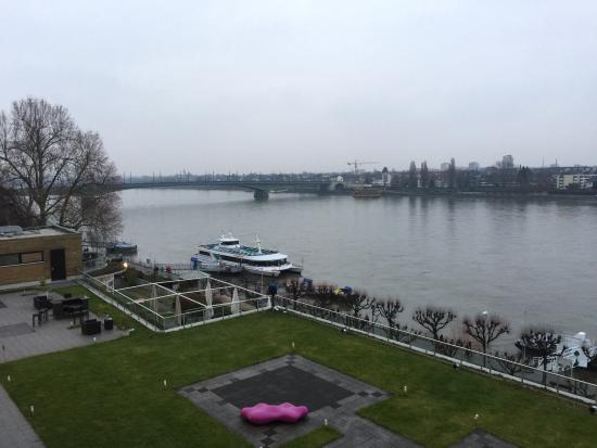 Ameron Hotel Königshof Bonn: Rheinblick