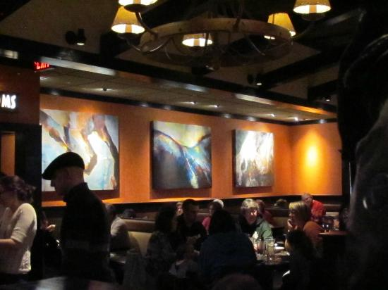 The pleasant decor picture of longhorn steakhouse