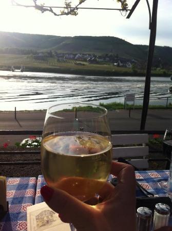Hotel Haus Lipmann: White Wine on the Rhine... YES PLEASE!