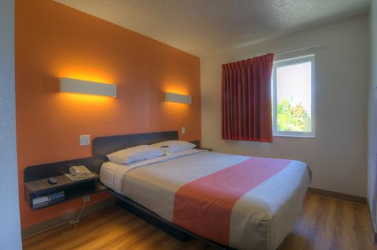 Motel 6 Orlando International Drive (C̶$̶7̶5̶) C$67