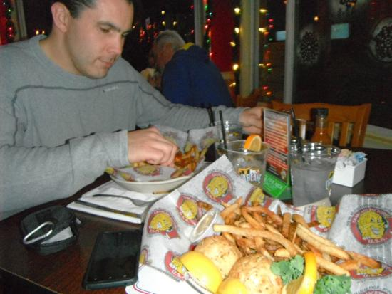 Crabcake Factory Bayside: Our meals