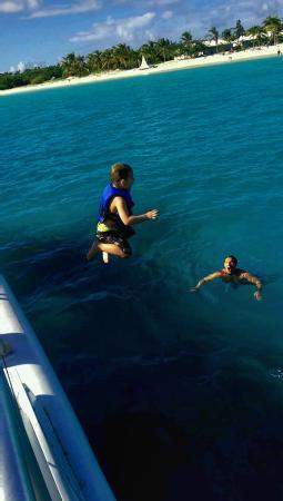 Simpson Bay, St. Martin/St. Maarten: enjoying some swimming time
