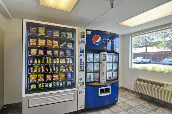 Motel 6 Twentynine Palms: Vending