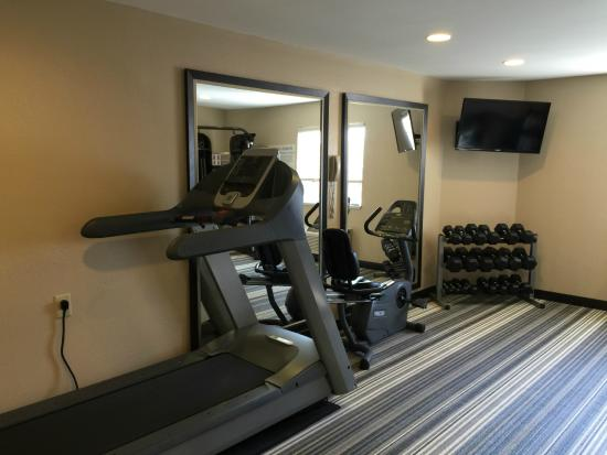 Candlewood Suites Newport News: Fitness Center 2