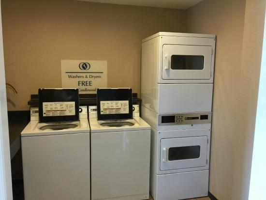 Candlewood Suites Newport News: Laundry