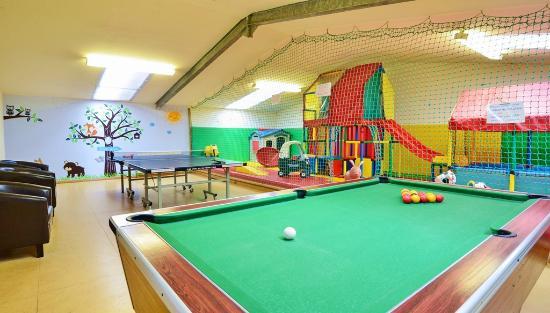 Knowle Farm: Play Barn