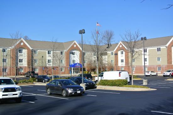 Candlewood Suites Fairfax : Exterior New Paint 2015