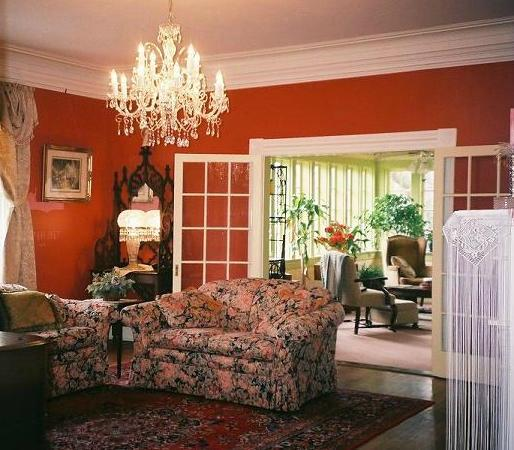 The Cedars Bed and Breakfast: Music Room