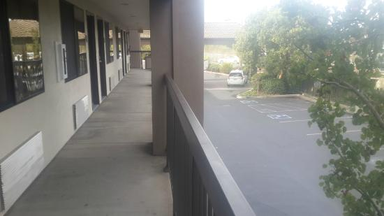 Hawthorn Suites by Wyndham Napa Valley: vista desde el pasillo  tercer piso