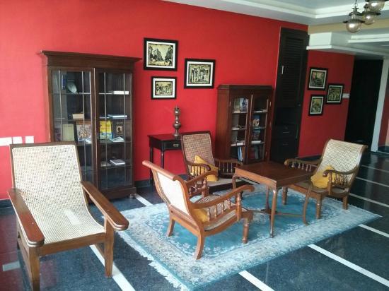 بيبال تري هوتل: Lobby on 1st floor