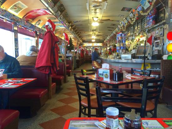 Crazy Otto's Empire Diner: The inside