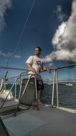 Zatoka Simpson, Sint Maarten: sailing on bluebeard