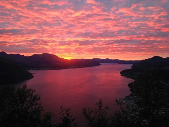 Volda, النرويج: Sunset in Volda