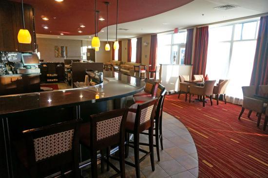 Courtyard Keene Downtown: Lounge