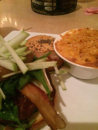 Twisted Fork: Burger and Mac