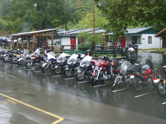Deal's Gap Motorcycle Resort : The motel rooms and bikes