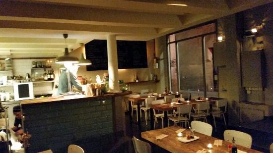La salle de resto picture of koku kitchen ramen for Resto lasalle