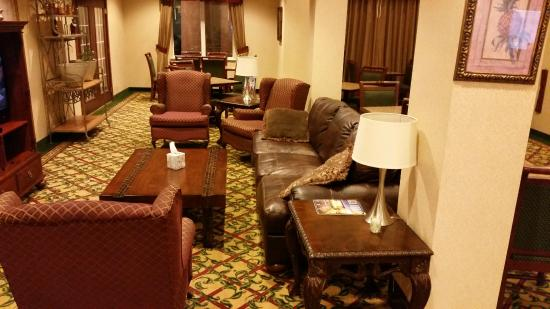 Holiday Inn Express Abilene: Breakfast/lounge area