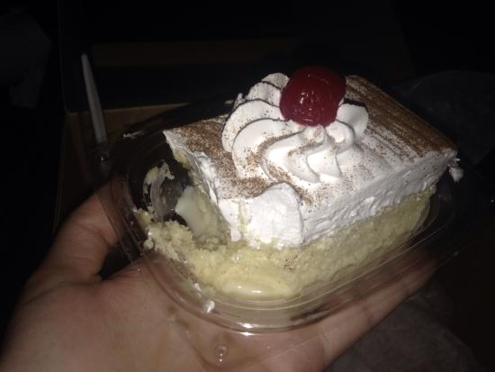 Ricomini Bakery : Tres leche deliciousness!!