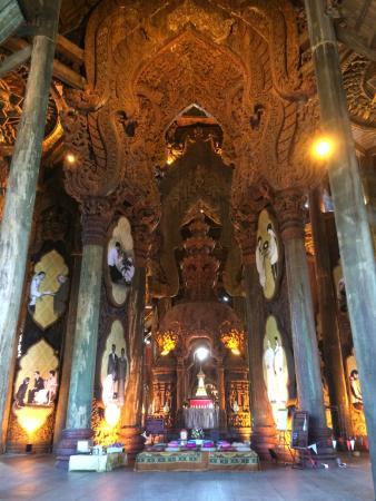 Вход в Храм - Picture of Sanctuary of Truth (Prasat Sut Ja ...