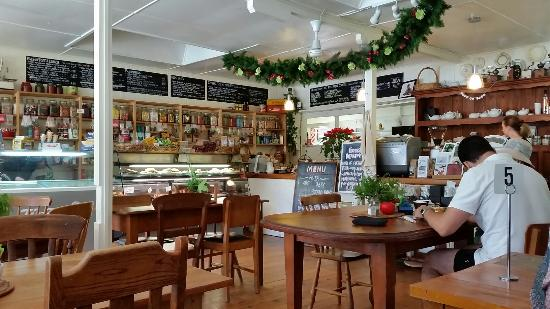 Huia Beach Store & Cafe: Well worth a weekend drive for a lovely beach side brunch. We really enjoyed  our meal.