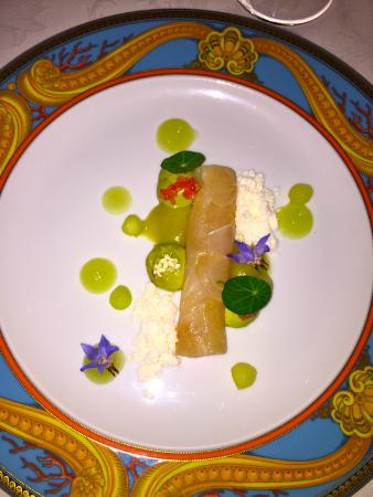 Vanitas: Sashimi D'espadon, avocat,citron caviar,wasabi et pomme mariné