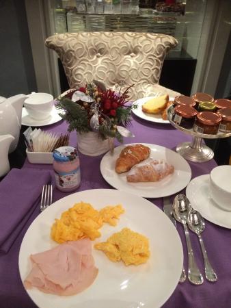 Baglioni Hotel Carlton: 朝食