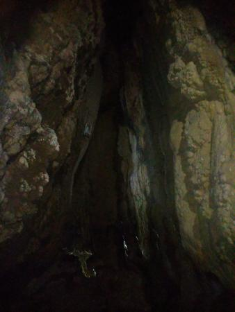 Mawjymbuin Cave: Inside view of cave