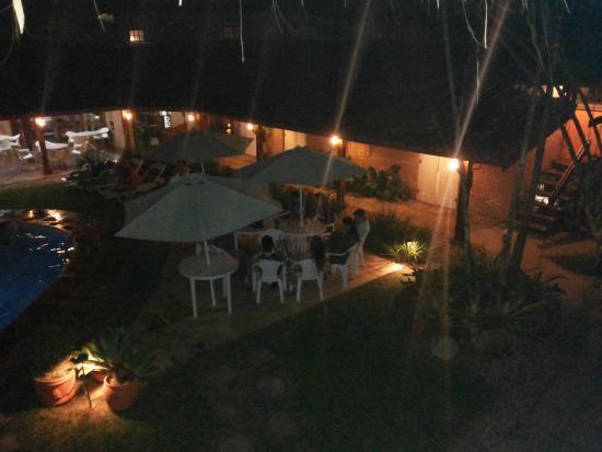 Pousada Recanto das Palmeiras: área da piscina