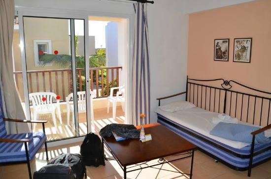 Aktea Beach Village: salon, balcon