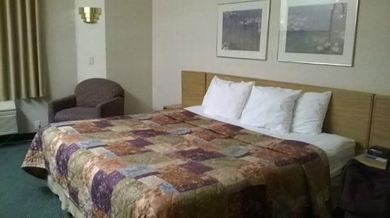 A typical Sleep Inn, a pretty basic no frills room