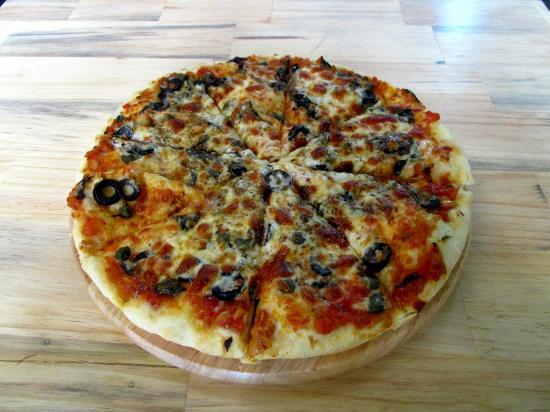 Olivia Restaurant: Pizza Napoli