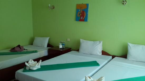 Ta Som Guesthouse : Triple room