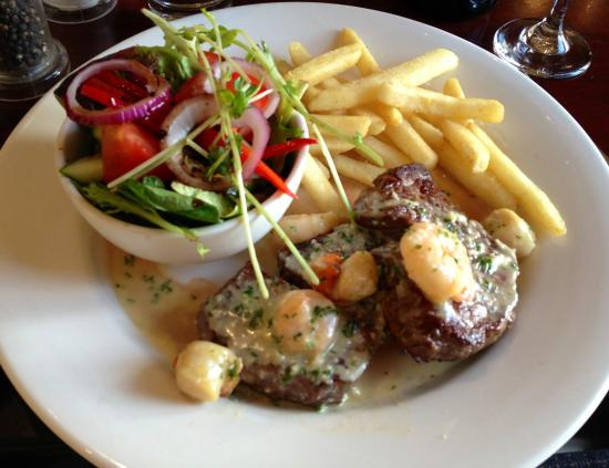 Balmoral on York: Steak dinner