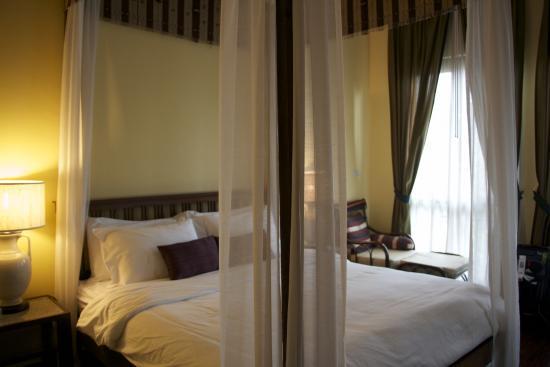Baan Klang Wiang: Bedroom - Suite