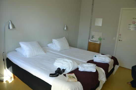 Le Mat B&B Goteborg City: Double bed, room.