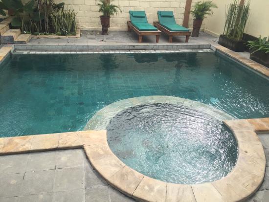 Desamuda Village: Pool in 3 bed villa