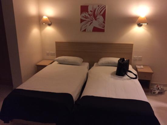 Dean Hamlet Hotel: Room