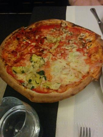 Il Cavaliere: Pizza cuatro estaciones