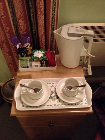 Cumberland Inn : Tea and coffee making facilities