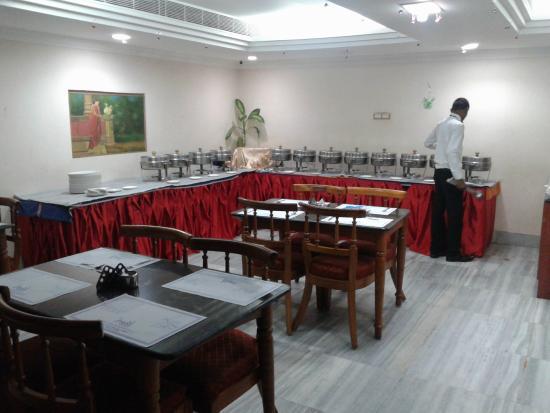 Hotel Mass: Dinning