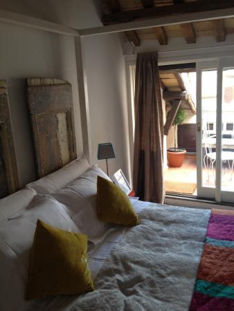 Camera all 39 ultimo piano foto di casa fabbrini boutique b b roma tripadvisor - Conviene comprare casa all ultimo piano ...