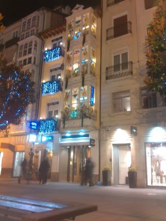 Hotel Dato : Fchada del hotel