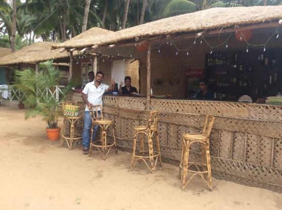 Agonda Paradise: at the bar!